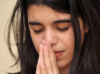 Ayuda a alimentar el hambre de María por la palabra
