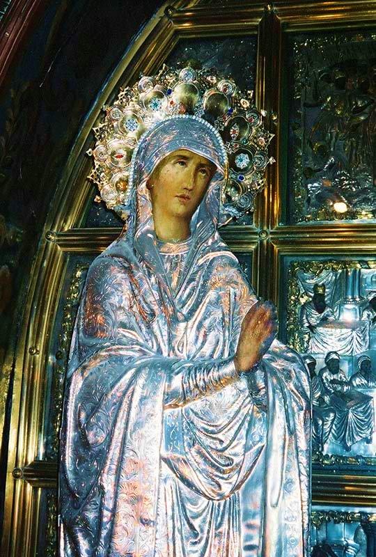 Ícono tridimensional de María en la Capilla del Gólgota
